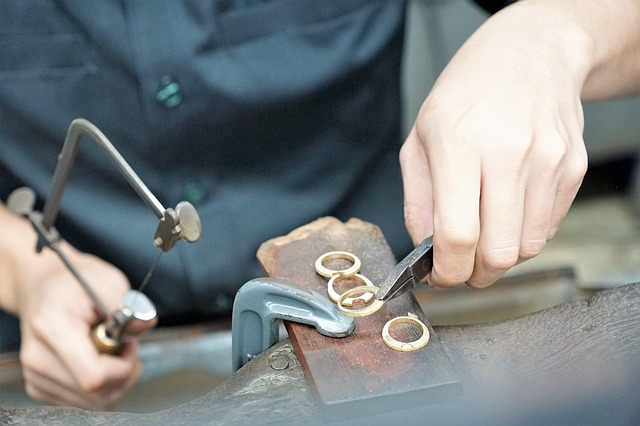 Honoring Loved Ones with Jewelry Repair and Restoration Services